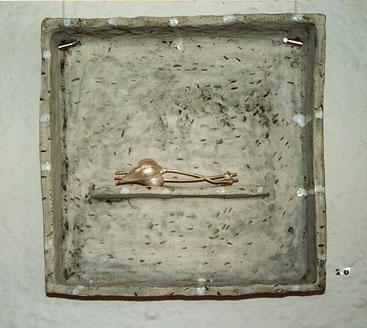 'Aufenthaltsorte' Nadel 'Physalis' Silber im keramischen Kasten